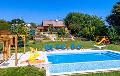Vakantiehuis 1457339 voor 8 personen in Dragoslavec