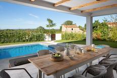 Casa de vacaciones 1458373 para 6 adultos + 2 niños en Cepljani