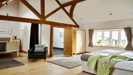 Room 1459279 for 5 persons in Devil's Bridge