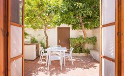 Ferienwohnung 1460618 für 5 Personen in Estepona