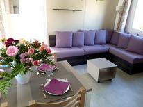 Ferienhaus 1461227 für 6 Personen in Saint-Julien-en-Born