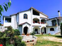 Appartement 1464948 voor 4 personen in Kmeti