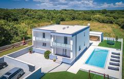 Vakantiehuis 1464983 voor 10 personen in Loborika