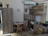 Ferienwohnung 1467460 für 4 Personen in Dobrota