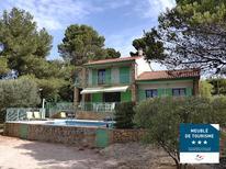 Casa de vacaciones 1469993 para 8 personas en Ceyreste
