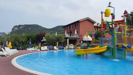 Ferienhaus 1470088 für 2 Erwachsene + 1 Kind in Bardolino