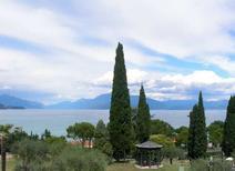 Ferienwohnung 1470120 für 2 Erwachsene + 2 Kinder in Desenzano del Garda