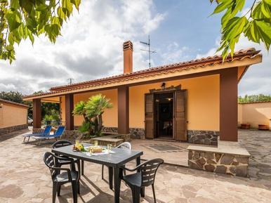 Gemütliches Ferienhaus : Region Alghero für 4 Personen