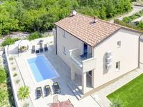 Vakantiehuis 1471163 voor 12 personen in Kremenići