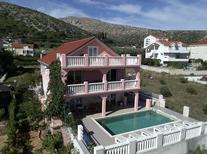Ferienhaus 1471294 für 14 Personen in Trogir