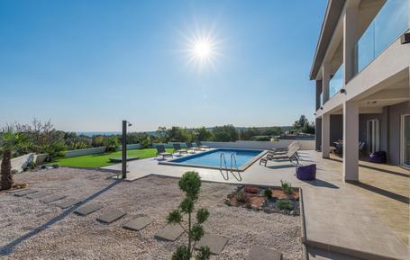 Gemütliches Ferienhaus : Region Istrien für 10 Personen