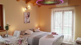 Appartement 1474677 voor 2 personen in Crveni Vrh