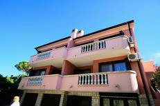Appartement 1474681 voor 5 personen in Crveni Vrh