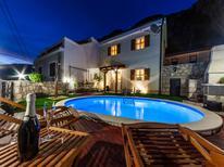 Casa de vacaciones 1475404 para 5 personas en Grižane