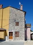 Appartement 1475505 voor 5 personen in Bašanija