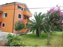Appartement 1475508 voor 4 personen in Zambratija