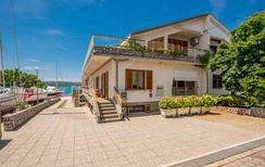 Ferienwohnung 1477507 für 5 Personen in Dobrinj