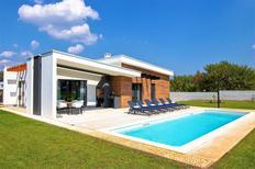 Maison de vacances 1479917 pour 8 personnes , Prkacini