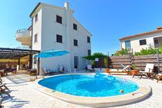 Ferienwohnung 1480789 für 4 Personen in Barbariga