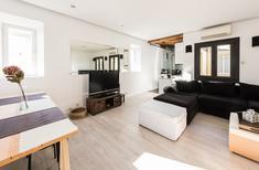 Appartamento 1481943 per 3 adulti + 1 bambino in Madrid