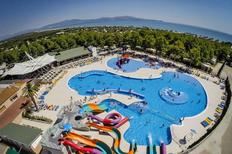 Mobile home 1483289 for 4 adults + 1 child in Sant Pere Pescador