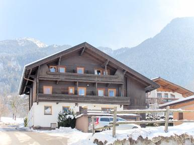 Gemütliches Ferienhaus : Region Mayrhofen für 13 Personen