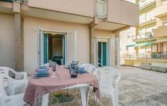 Ferienwohnung 1492408 für 6 Personen in Rimini