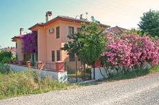 Casa de vacaciones 1493134 para 6 adultos + 1 niño en Fethiye