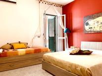 Ferienwohnung 1493924 für 3 Personen in Baia Verde