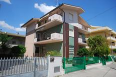 Holiday apartment 1495393 for 6 persons in Alba Adriatica