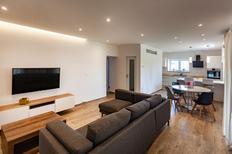 Appartement 1497708 voor 3 volwassenen + 2 kinderen in Fažana-Surida