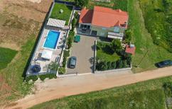 Ferienhaus 1499575 für 8 Personen in Donji Proložac