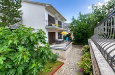 Appartement 1501288 voor 4 personen in Jadranovo
