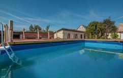 Ferienhaus 1503562 für 10 Personen in Karanac