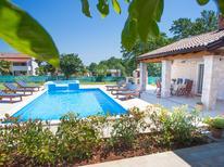 Ferienhaus 1505096 für 8 Personen in Medvidici