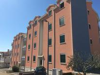 Appartement 1509129 voor 6 personen in Rastići