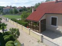 Ferienhaus 1509292 für 4 Personen in Privlaka