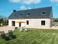 Holiday home 1509553 for 6 persons in Plounéventer
