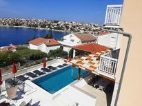 Appartement 1509614 voor 4 personen in Okrug Gornji