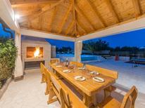 Casa de vacaciones 1509890 para 8 personas en Pristeg