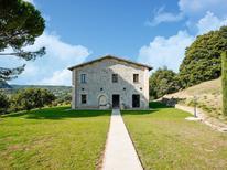 Ferienhaus 1509906 für 8 Personen in Sermugnano