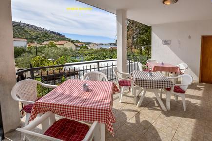 Für 2 Personen: Hübsches Apartment / Ferienwohnung in der Region Šibenik-Knin