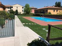 Vakantiehuis 1510663 voor 6 personen in Calmasino