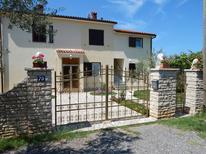 Appartement 1511794 voor 4 personen in Fažana