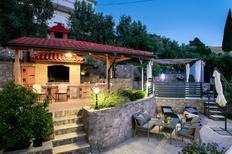 Ferienwohnung 1516206 für 6 Personen in Zrnovnica