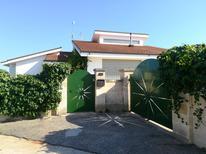 Ferienhaus 1517177 für 13 Personen in Maruggio