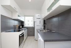 Appartement 1517228 voor 5 personen in Fažana