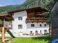Vakantiehuis 1518128 voor 10 personen in Oetz