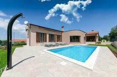 Vakantiehuis 1518416 voor 6 volwassenen + 2 kinderen in Presika