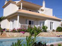 Vakantiehuis 1519119 voor 6 volwassenen + 2 kinderen in Galé